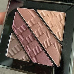 Burberry quad eyeshadow palette 06 plum pink